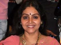 https://tamil.filmibeat.com/img/2019/07/fathima-babu3-1524732199-1524737504-1562848236.jpg