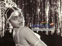 http://tamil.filmibeat.com/img/2019/09/silk-smitha34455-1537726468-1569218777.jpg