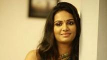 http://tamil.filmibeat.com/img/2019/10/lakshmi-priyaa-chandramouli-1572421285.jpg