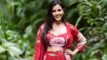 http://tamil.filmibeat.com/img/2019/11/priyaanand3-1573135114.jpg