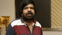 http://tamil.filmibeat.com/img/2019/12/trajendarsindrayakaadhaldaa1--1575522421.jpg