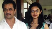 https://tamil.filmibeat.com/img/2020/01/actor-arjun-sarja-daughter-actress-aishwarya-arjun8-1578568437.jpg