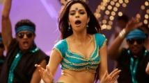 http://tamil.filmibeat.com/img/2020/02/mallika-sherawat1232323-1580700167.jpg