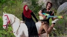 http://tamil.filmibeat.com/img/2020/03/gypsy-movie4-1582969896-1583494568.jpg