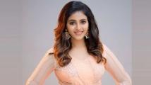 http://tamil.filmibeat.com/img/2020/04/anjali013-1586074793.jpg