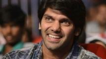 https://tamil.filmibeat.com/img/2020/05/arya2-1590307657.jpg