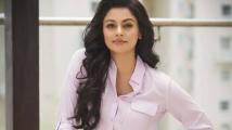 https://tamil.filmibeat.com/img/2020/05/pooja-kumar-23-1587800143-1590321504.jpg