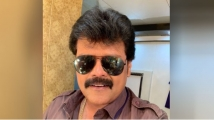 http://tamil.filmibeat.com/img/2020/05/sriman44-1590158431.jpg