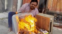 http://tamil.filmibeat.com/img/2020/06/director-sakthi-chidambaram-burns-chinese-products-23-1593073420.jpg