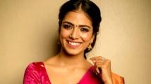 https://tamil.filmibeat.com/img/2020/06/malavika3-1591647794.jpg