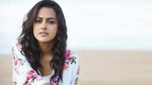 https://tamil.filmibeat.com/img/2020/07/shraddha-srinath-1-1594351017.jpg
