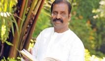 https://tamil.filmibeat.com/img/2020/07/vairamuthu345-1594621896.jpg