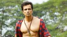 http://tamil.filmibeat.com/img/2020/08/sonusood-17-1586407440-1598097546.jpg