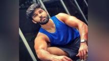 http://tamil.filmibeat.com/img/2020/09/durvaaa-1599911368.jpg