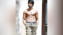 http://tamil.filmibeat.com/img/2020/09/sooriewwwwwhome-1600583185.jpg