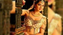 http://tamil.filmibeat.com/img/2020/10/anushka-1602493876.jpg