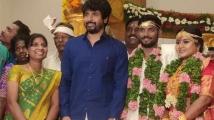 https://tamil.filmibeat.com/img/2020/10/bakkiyaraj-kannan-ties-the-knot-1-1603772492.jpg