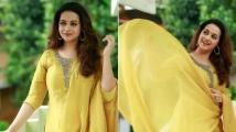 https://tamil.filmibeat.com/img/2020/10/bhavana45745-1603782018.jpg