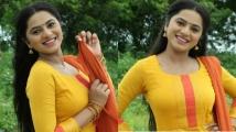 https://tamil.filmibeat.com/img/2020/10/delna-davis-hm-1603375161.jpg