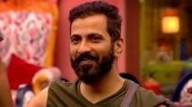 https://tamil.filmibeat.com/img/2020/10/jithan-1603466901.jpg
