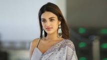 https://tamil.filmibeat.com/img/2020/10/nidhhi-agerwalo9-1603353570.jpg