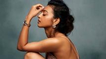 https://tamil.filmibeat.com/img/2020/10/radhikaapte1-1603599799.jpg