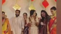 https://tamil.filmibeat.com/img/2020/10/ramya-nambeesan-mrudula-murali-wedding2-1604126827.jpg