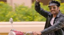 https://tamil.filmibeat.com/img/2020/10/santhanam2-1603075140.jpg