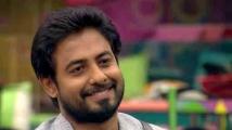 https://tamil.filmibeat.com/img/2020/11/aaritalkstokamalwithoutfearinbiggbosspromo-1606566774.jpg