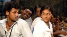 http://tamil.filmibeat.com/img/2020/11/angadi-theru5-1605514950.jpg