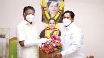 https://tamil.filmibeat.com/img/2020/11/opspraisesj-m-basheer-1606132771.jpg