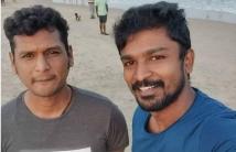 http://tamil.filmibeat.com/img/2020/11/rathnakumarselfiewithlokeshkanagaraj-1606200649.jpg