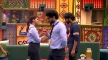 https://tamil.filmibeat.com/img/2020/11/shivani-1606388752.jpg