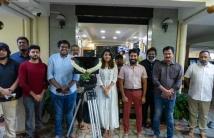 https://tamil.filmibeat.com/img/2020/11/vanibhojancharacterincasinomovierevealed-1606570476.jpg