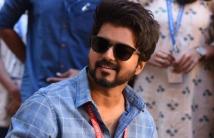 https://tamil.filmibeat.com/img/2020/11/vijaysmasterteaserhits40millionsviewsonyoutube-1606562254.jpg