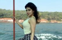 http://tamil.filmibeat.com/img/2020/12/ishwaryamenon-1609333755.jpg