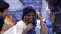 https://tamil.filmibeat.com/img/2020/12/riosomnisha-1606969415.jpg