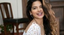 https://tamil.filmibeat.com/img/2020/12/tanyahopeu-1607657385.jpg