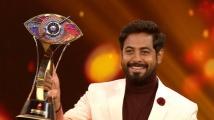 https://tamil.filmibeat.com/img/2021/01/aari-win-bb-1610910123.jpg