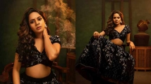 http://tamil.filmibeat.com/img/2021/01/actress-aishwarya-dutta-cute-photoshoot55-1611111622.jpg