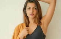 https://tamil.filmibeat.com/img/2021/01/ashnazaveri-1610022381.jpg