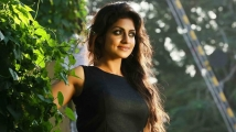 https://tamil.filmibeat.com/img/2021/01/athmiya-rajan567-1611458914.jpg