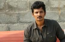 https://tamil.filmibeat.com/img/2021/01/jiiva-158098812370-1609749083.jpg
