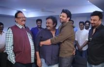 https://tamil.filmibeat.com/img/2021/01/movie-18715-prabhas-20-photos-images-685121-1610945879.jpg