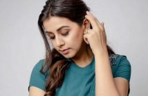 http://tamil.filmibeat.com/img/2021/01/nikkigalrani-1610358577.jpg