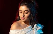 https://tamil.filmibeat.com/img/2021/01/poorna-1610449384.jpg