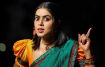https://tamil.filmibeat.com/img/2021/01/poornashoot-1611298625.jpg