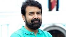https://tamil.filmibeat.com/img/2021/01/rajiv-menon-and-madan-karky-2-1610119099.jpg