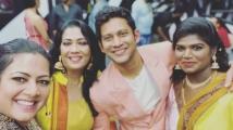 https://tamil.filmibeat.com/img/2021/01/rekhashare-1611064160.jpg