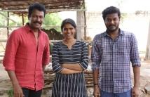 https://tamil.filmibeat.com/img/2021/02/samuthirakani-halitha-shameem-manikandan--aelay-movie-pooja-stills1-1613044841.jpg